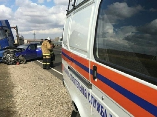 На «Тавриде» под Белогорском «Lexus» столкнулся с грузовиком «MAN»