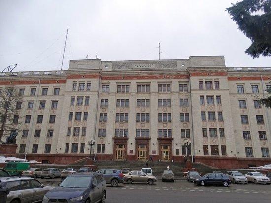 С 4 октября скорость автомобилей около главного здания МГУ ограничат