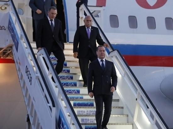 Куба встретила Дмитрия Медведева стойким запахом низкопробного бензина