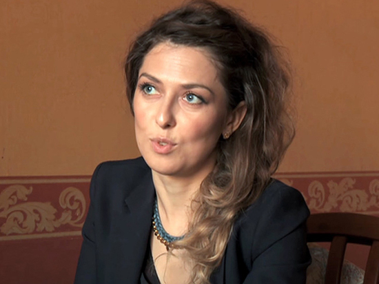 С ней сотрудничал директор русскоязычного канала  Iran Today Бахрам Ханлар