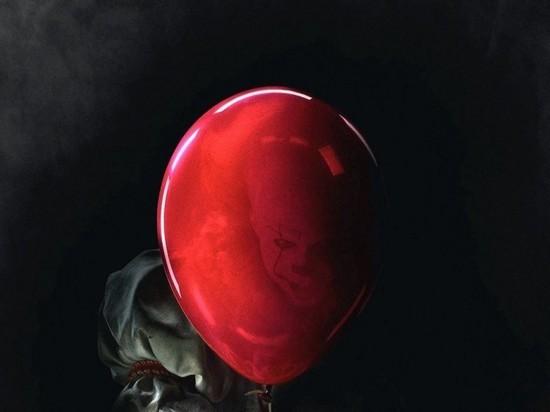 В квартире на Шотмана среди воздушных шаров  нашли нарядно одетые трупы мамы и сына