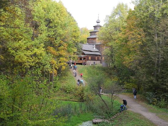 Экологическая тропа на Щелоковском хуторе