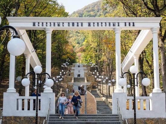 Каскадную лестницу торжественно открыли в курортном Железноводске