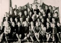 Первоклассницы 1945 года до сих пор поддерживают дружеские отношения