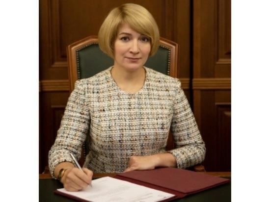 С Днём учителя поздравляет Глава Серпухова Юлия Купецкая