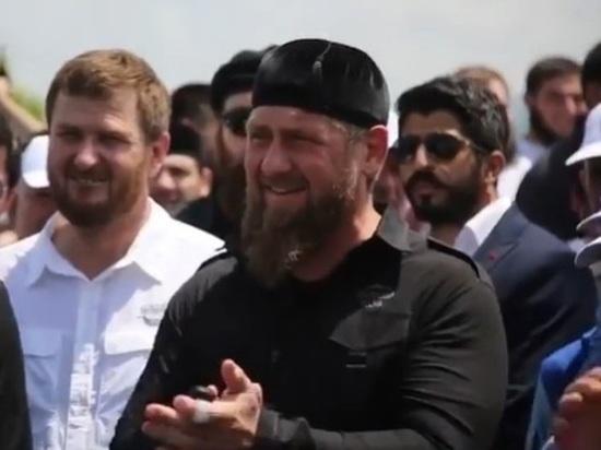 Глава Чечни поздравил молодое поколение с Днем чеченской молодежи