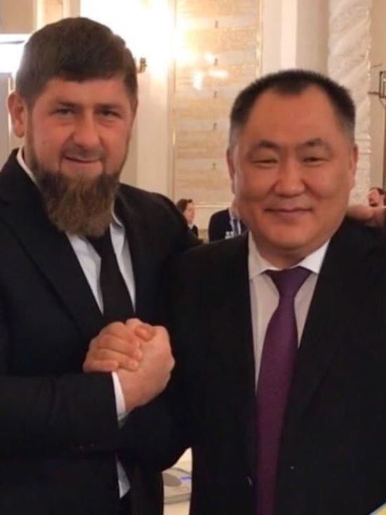 Глава Тувы Шолбан Кара-оол поздравил Рамзана Кадырова с днем рождения