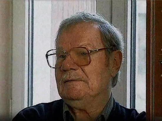 От кого всю жизнь Михаил Пуговкин ждал звонка