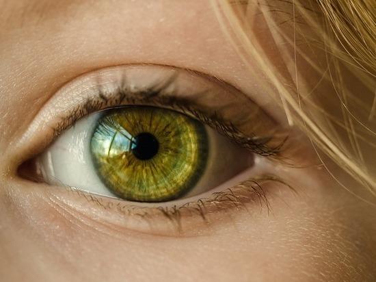 О чем сигнализирует дергающийся глаз