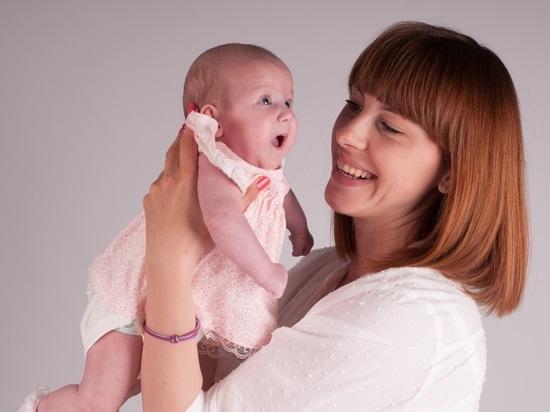 Как государство помогает семьям при рождении первенца
