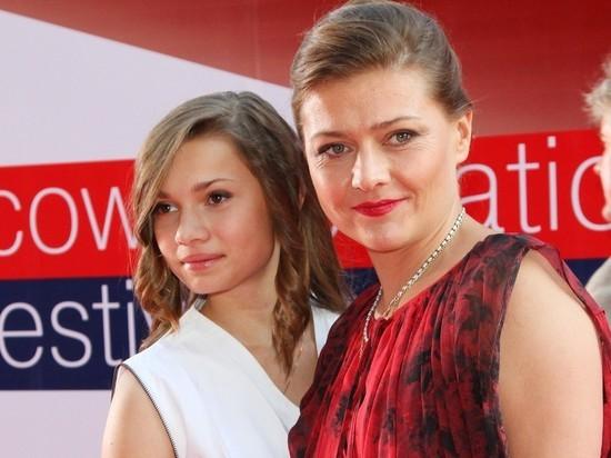 Мария Голубкина показала выросшую красавицу-дочь от Фоменко