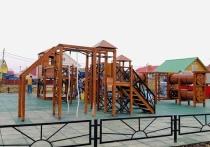 В двух микрорайонах Салехарда открылись новые детские площадки