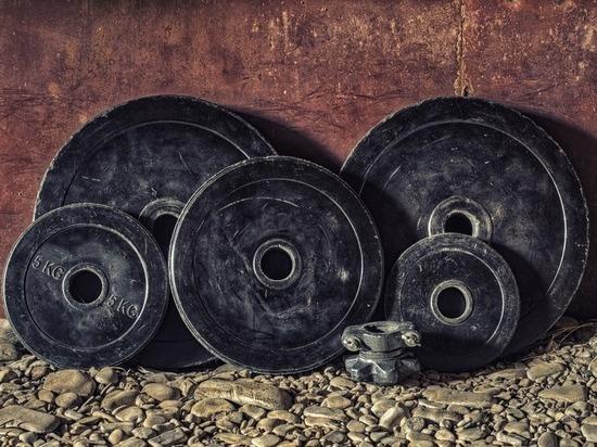 В Ноябрьске завершились соревнования по тяжелой атлетике