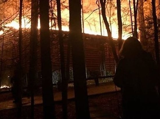 На базе отдыха «Лукоморье» в Братске горела баня