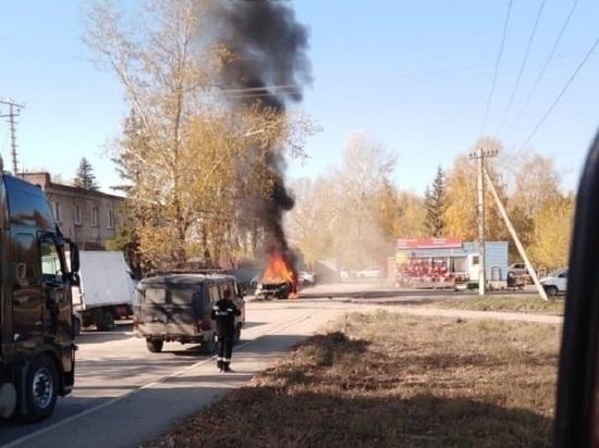 В Новосибирске произошла драка со стрельбой и сожжением автомобилей