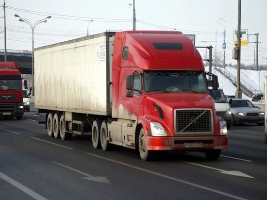 Шоферам большегрузов предложили разрешить работать по 12 часов в сутки
