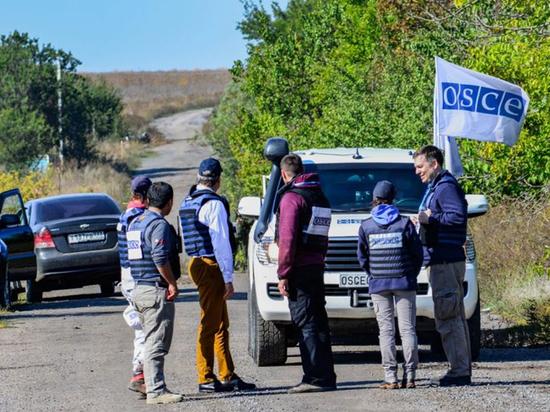 Развод сил в Донецке сорвали радикалы с охотничьими ружьями