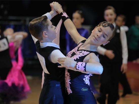 В Чебоксарах прошли соревнования по танцам на Кубок главы Чувашии