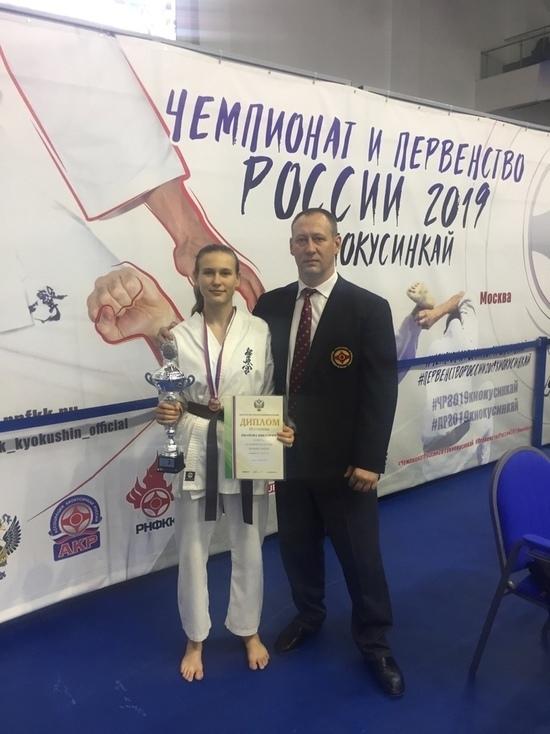 Тверская спортсменка Виктория Иванова завоевала бронзовую медаль Первенства России по киокушинкай карате