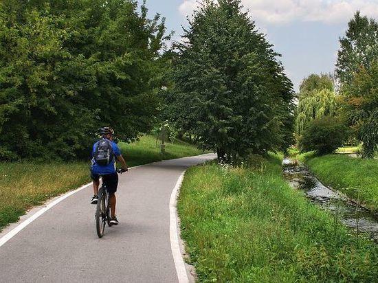 Расстояние в 10 км на велосипеде приемлемо для получателя Hartz IV