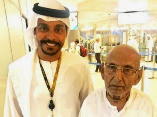 Йог, прибывший в аэропорт Абу-Даби, оказался старейшим человеком на Земле