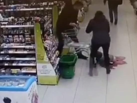 Подробности ЧП в московском супермаркете: ребенок упал лицом на осколки