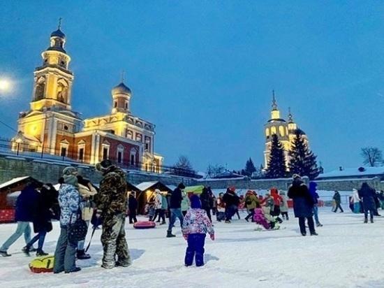 Соборная гора в Серпухове готовится к встрече Нового года