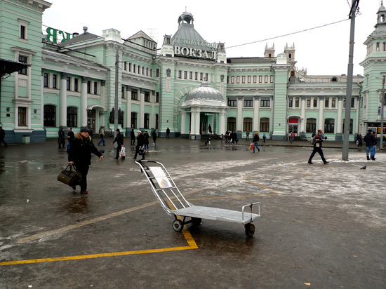 В Москву прибыл пассажирский поезд с радиоактивным вагоном