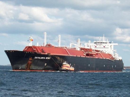 Bloomberg: танкер с российским СПГ идет в сторону Пуэрто-Рико