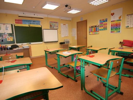 В Хабаровске не хватает семи школ