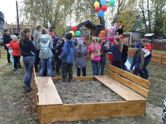 «Стальное дерево» подарило Заринску площадку для семейного отдыха
