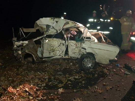 В Волгоградской области в страшном ДТП погибли четыре подростка