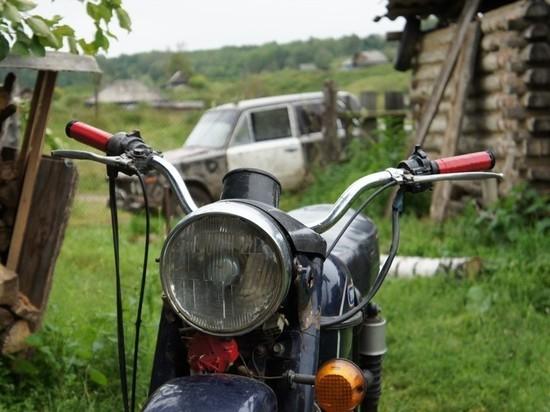 В Илекском районе подросток пытался завести мотоцикл и получил травму