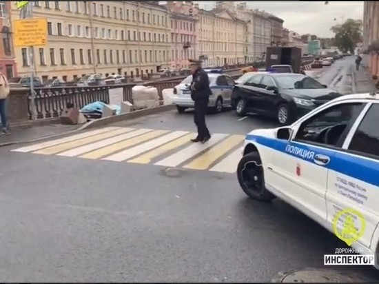 Туриста из Китая насмерть сбили на тротуаре набережной канала Грибоедова