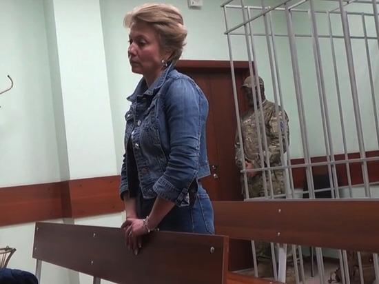 По делу о взятках в мэрии задержали еще одну подозреваемую