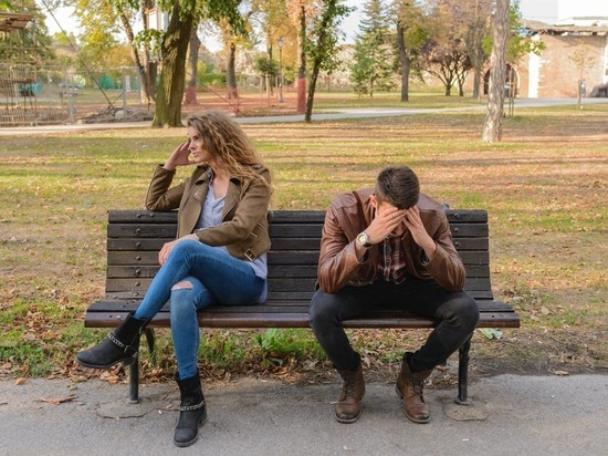 Психологи выяснили, почему мужчины изменяют женам