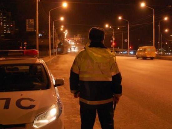 В Саяногорске пьяный водитель вышел из машины, а автомобиль поехал дальше