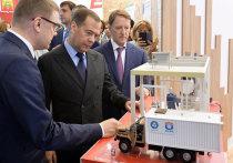 Отечественные аграрии продемонстрировали Дмитрию Медведеву, что даром времени не теряли