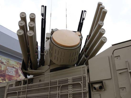 Жители Мурманска увидели тульскую военную технику «Панцирь-С» и «Град»