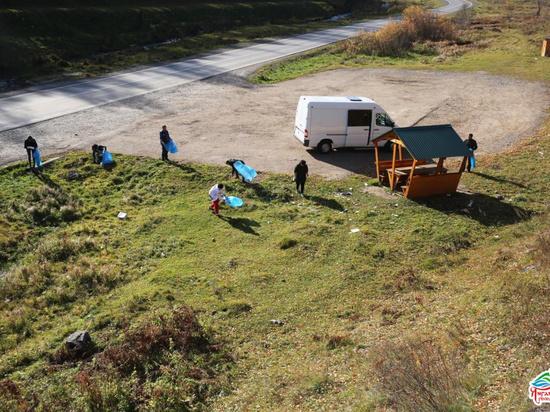 В Башкирии сотрудникам геопарка «Янган-Тау» приходится убирать мусор за туристами