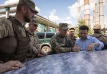 Зеленский выступил против введения военного положения на Украине