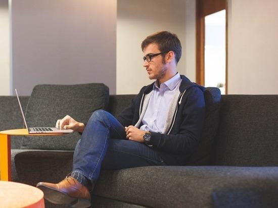 Об ухудшении зрения заявили более половины работающих за компьютером