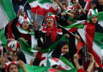 Иранских женщин пустили на футбол: мужчины разгромили Камбоджу