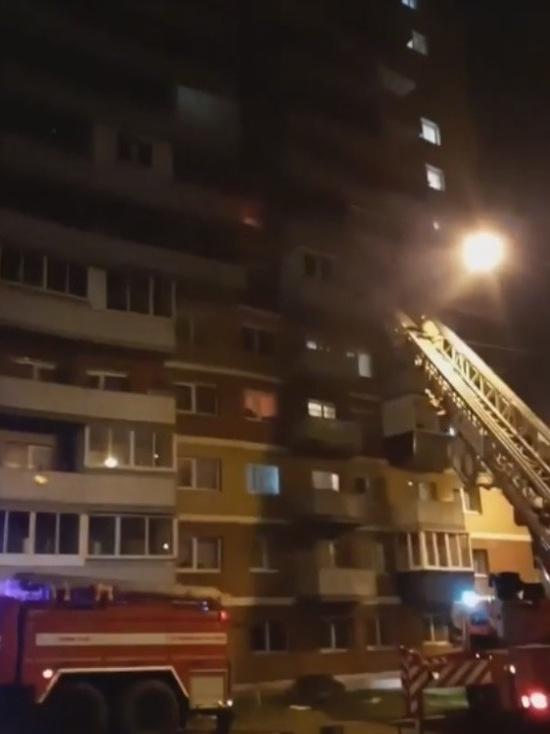 В Ново-Ленино пожарные спасли 17 человек
