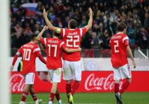 Сборная России уверенно переиграла команду Шотландии в Лужниках со счетом 4:0. Это уже шестая подряд победа нашей команды, и теперь мы ждем от нее уже не просто выхода в финальную часть чемпионата Европы, но и успеха на самом турнире. Два успешных больших турнира подряд – такого в истории нашей сборной еще не было.