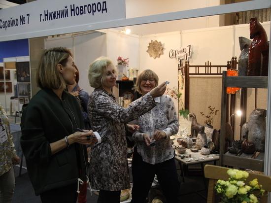 На выставку съехалось более 300 художников