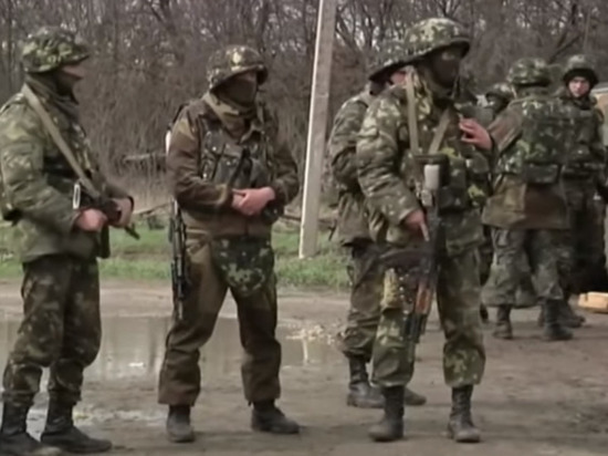 """Нацбатальон """"Азов"""" открыл огонь по украинской армии в Донбассе"""