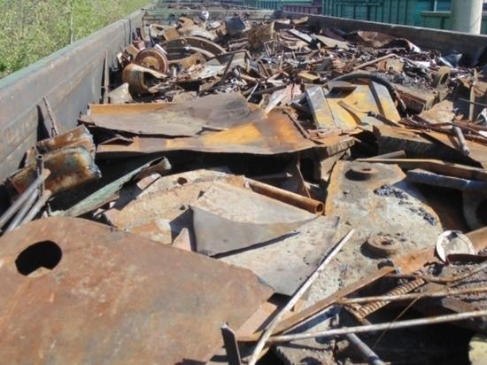Трое жителей Брянска попались на краже металлолома