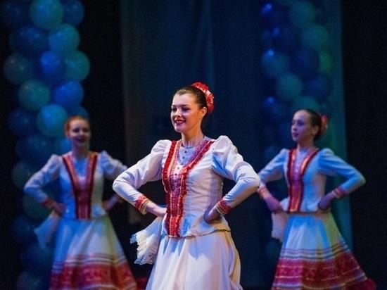 Всего один концерт: в Волгограде выступил ансамбль Моисеева