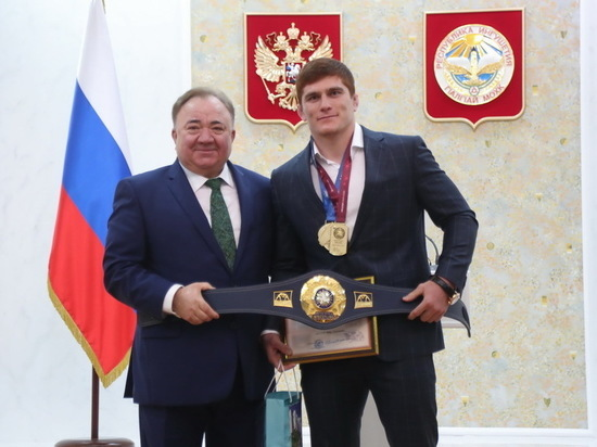 Российского борца Мусу Евлоева чествовали в Ингушетии